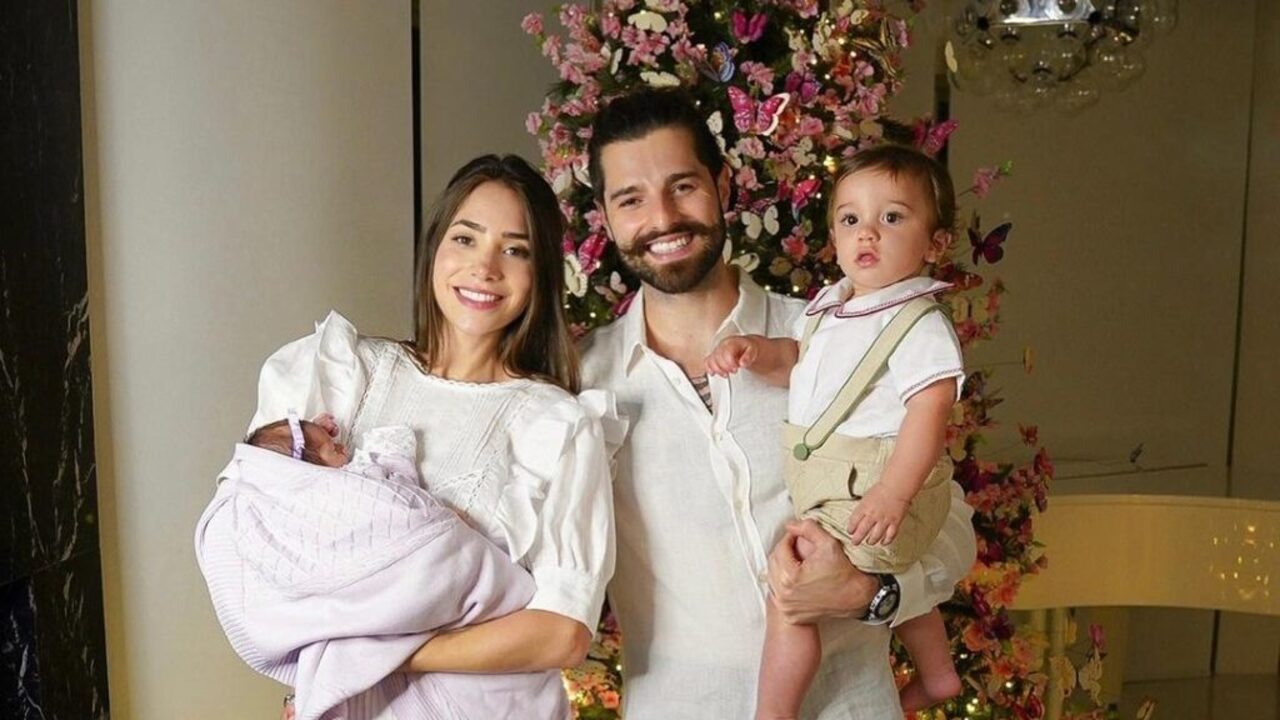 Romana Novais e Alok com os filhos, Raika e Ravi.