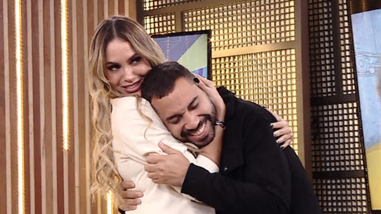 Sarah e Gilberto no Rede BBB - Crédito: Reprodução / Globo
