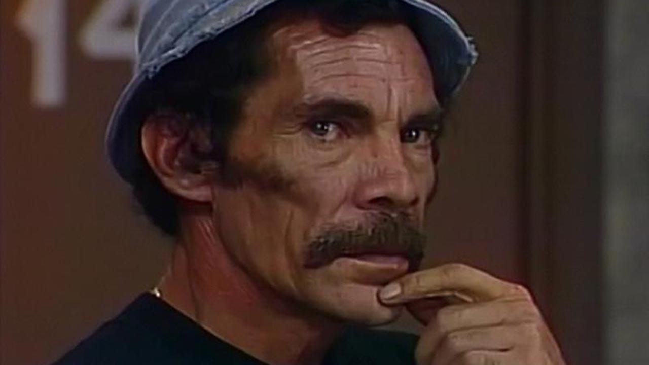 Ramón Valdés como o personagem Seu Madruga - Crédito: Reprodução