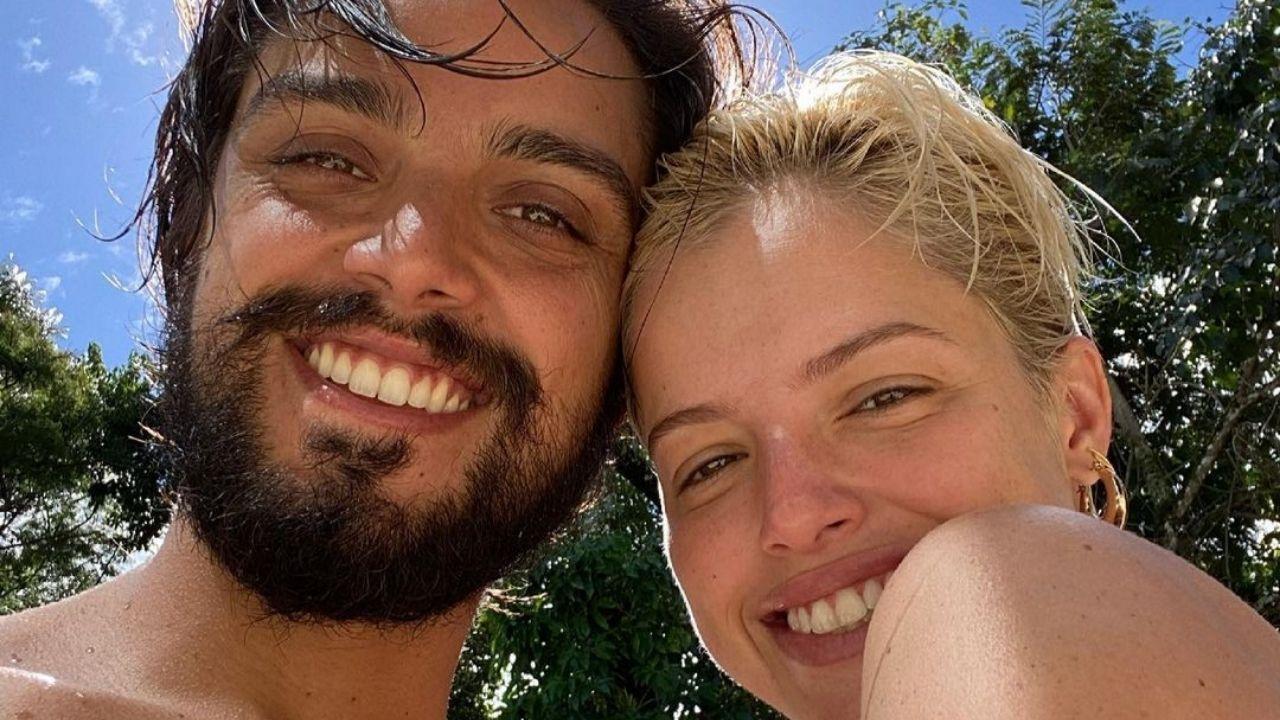 Rodrigo Simas mostra intimidade com Agatha Moreira. FOto: Reprodução/Instagram