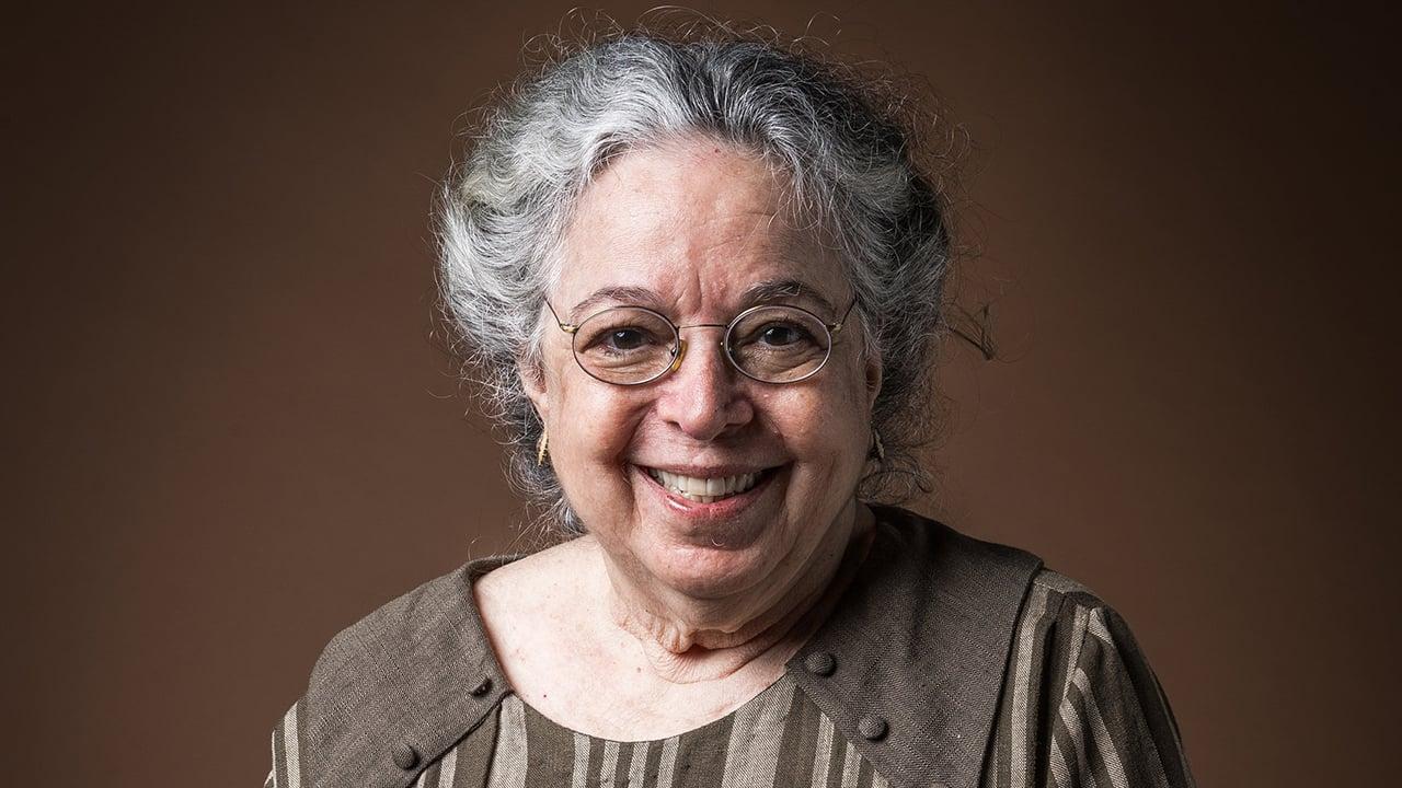 Camilla Amado na época em que interpretou a Tia Candoca na novela Éramos Seis - Crédito: Globo / Raquel Cunha