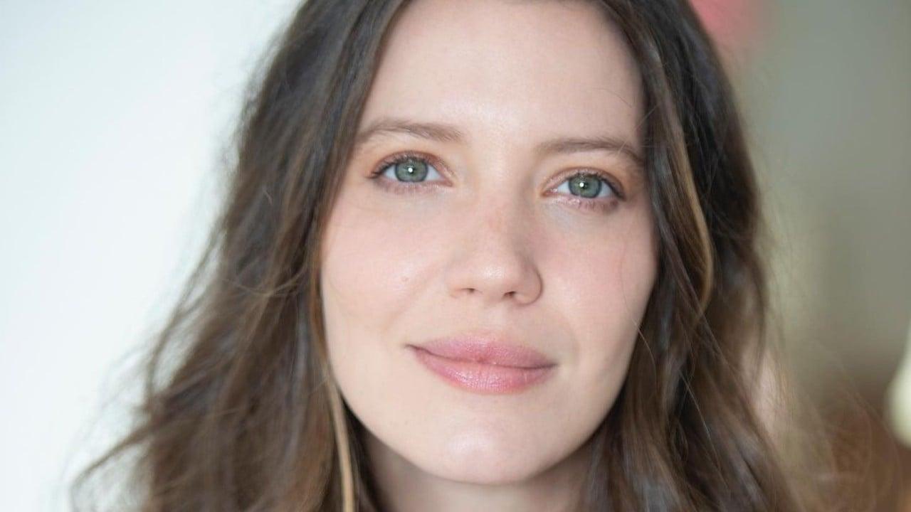 Nathalia Dill mostra sobrancelhas naturais