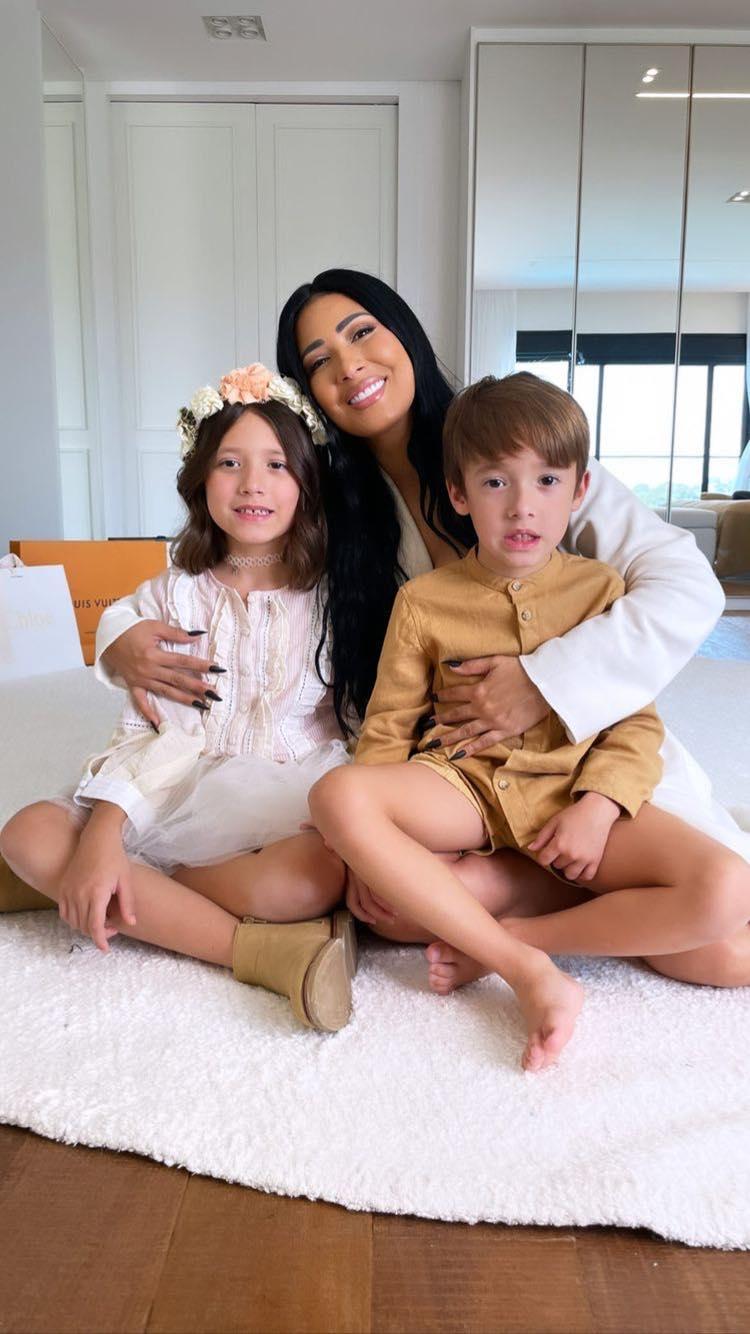 Simaria reúne os dois filhos em nova foto. Reprodução/ Instagram