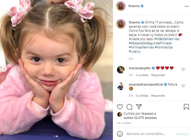 Filha de Thaeme Mariôto rouba a cena em nova foto