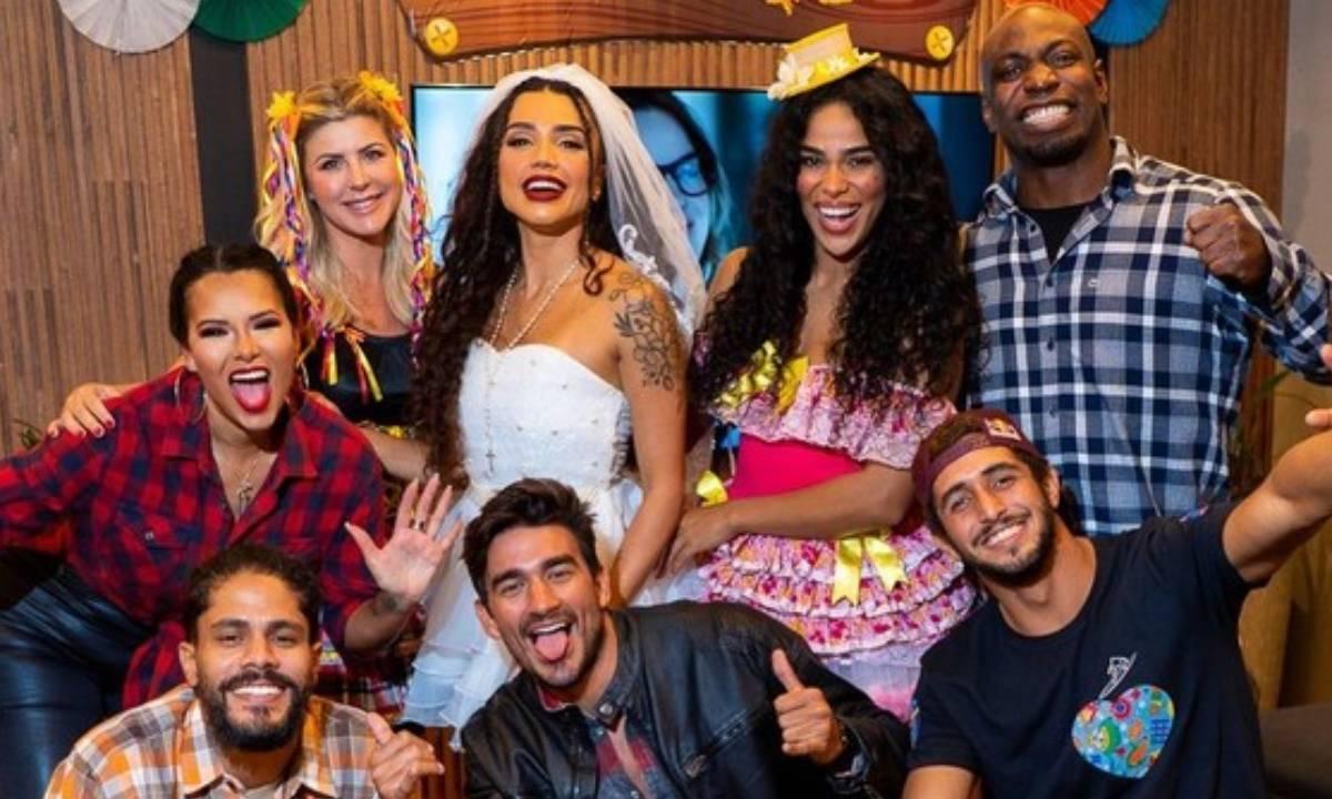 Equipe Carcará de No Limite faz festa junina (Foto: Reprodução/Instagram)