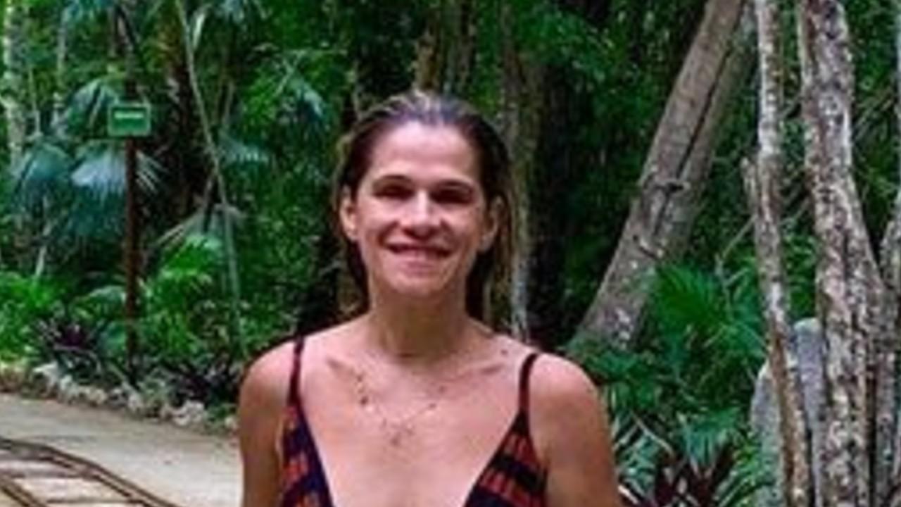 De maiô, Ingrid Guimarães exibe corpo real em fotos sem retoques