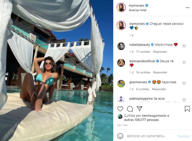 Ex-BBB Ivy Moraes ostenta corpão em foto de biquíni