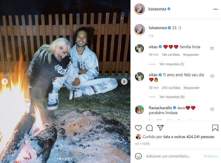 Luísa Sonza comemora aniversário de 23 anos ao lado da família