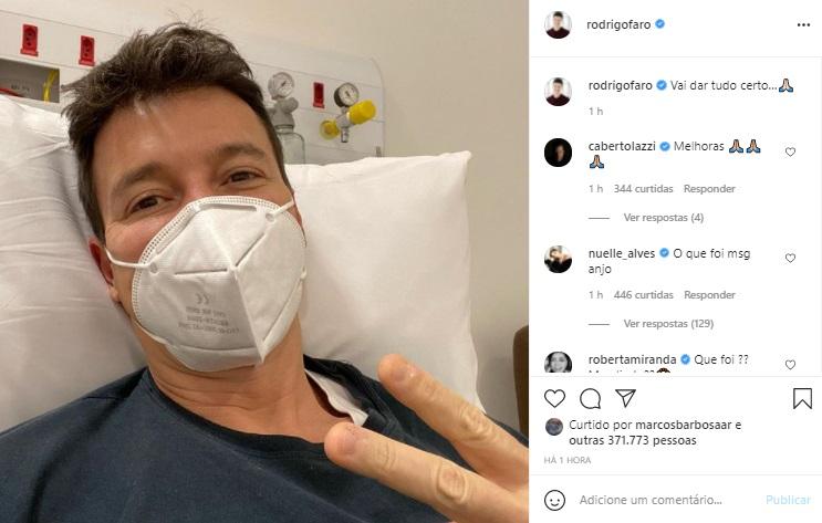 Com Covid-19, Rodrigo Faro posa no hospital