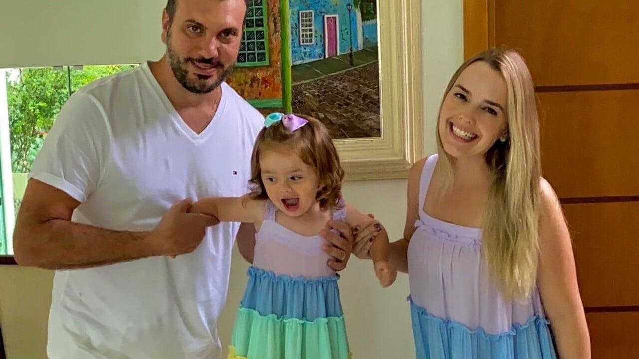Thaeme Mariôto, marido e filha