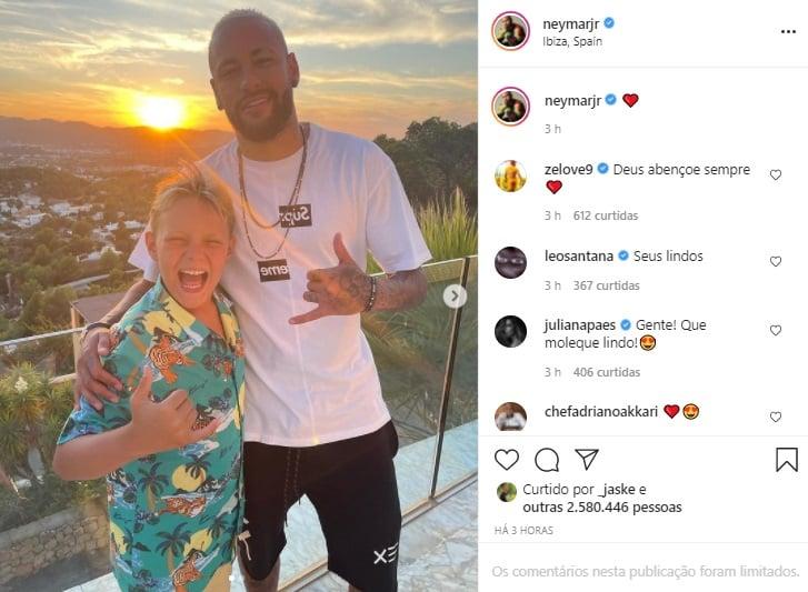 Neymar Jr impressiona web ao mostrar foto com filho